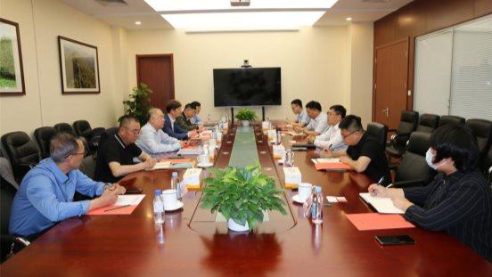 張立豐會見中國林(lin)產工業協會秘書長和俄羅斯團結銀行駐(zhu)華首席代表一行